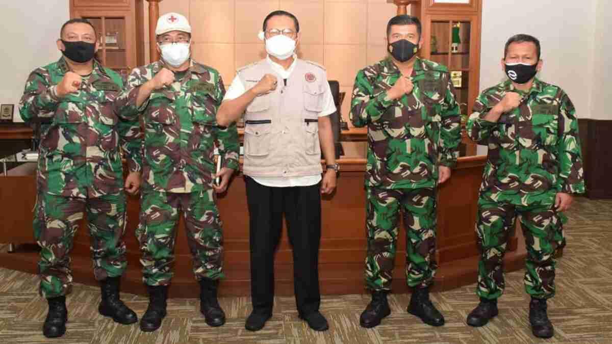 Serbuan Vaksinasi TNI AL Targetkan 3 Ribu Masyarakat Lamongan