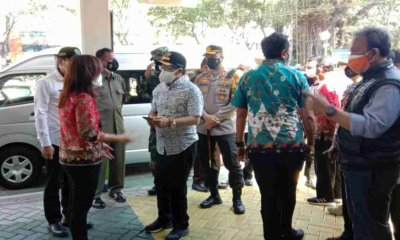 Tinjau RS Rujukan Covid-19, Wali Kota Sutiaji Sebut Kondisi Crowded