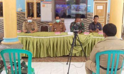 SOSIALISASI: Suasana kegiatan sosialisasi peraturan perundang-undangan bidang cukai di Balai Desa Arjasa-Situbondo. (memontum.com/her)
